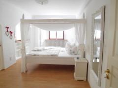 Ferienwohnungen In Meersburg Am Bodensee - Zimmer Schlafzimmer Himmelbett